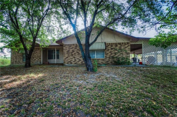 1524 Country Place Rd, Weatherford, TX